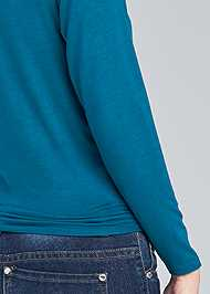 Detail back view Knot Front Top