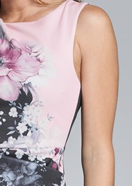 Detail front view Floral Printed Midi Dress