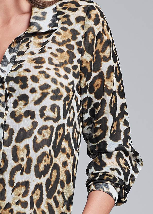Detail front view Leopard High Low Top