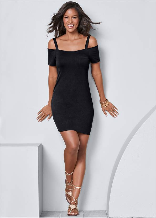 Full Front View Pocket Detail Casual Dress