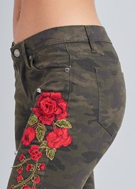 Detail side view Rose Embroidered Camo Skinny Jeans