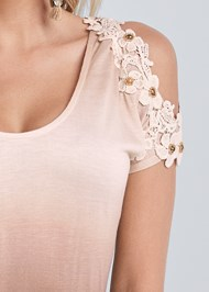 Detail front view Ombre Cold Shoulder Top