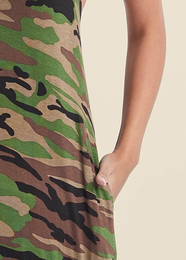 Detail front view Tie Neck Maxi Dress