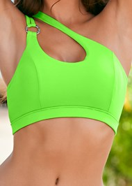 Detail front view Ring Detail Sport Top