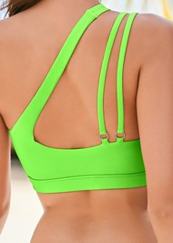 Detail back view Ring Detail Sport Top