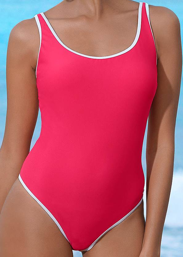 Detail front view Sporty One-Piece