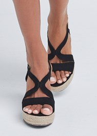 Detail front view Essential Espadrille Wedge