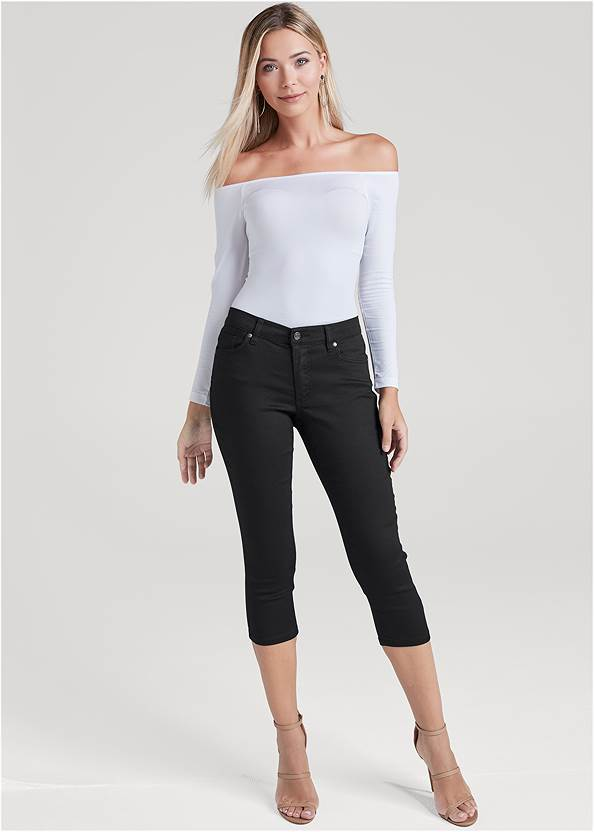 Color Capri Jeans,Off-The-Shoulder Top,Mid Rise Color Skinny Jeans,Frayed Cut Off Jean Shorts,Ankle Strap Cork Heels,High Heel Strappy Sandals,Animal Chain Crossbody Bag