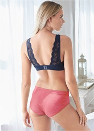 Cropped back view Seamless Lace Comfort Bra