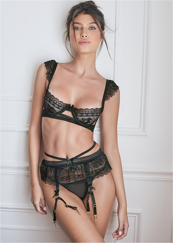 Unlined Bra/Garter/Thong Set