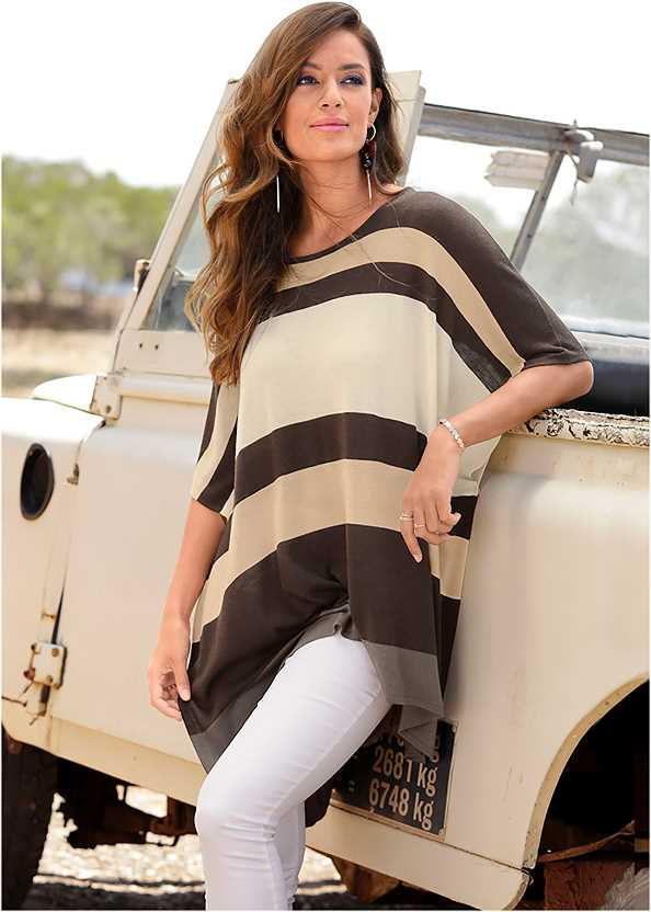 Poncho Sweater,Mid Rise Color Skinny Jeans,Lace Up Gladiator Sandals,Raffia Detail Bag