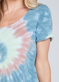 Detail front view Tie Dye Knotted Lounge Dress