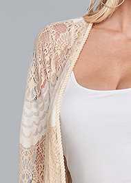 Detail front view Long Lace Topper