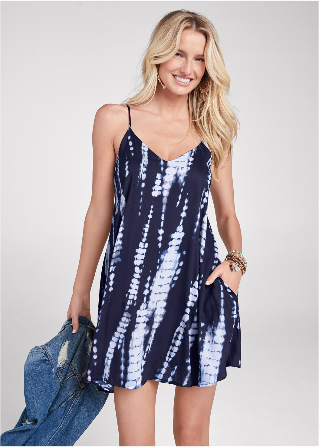 Tie Dye V-Neck Shift Dress,Strapless Bra With Geo Lace,Lace Up Gladiator Sandals,Stackable Beaded Bracelet,Tassel Hoop Earring