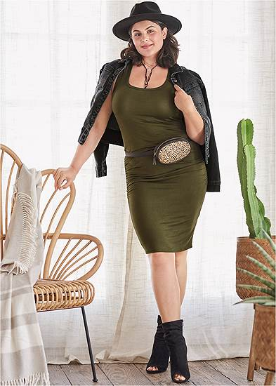 Plus Size Sleeveless Ruched Bodycon Midi Dress