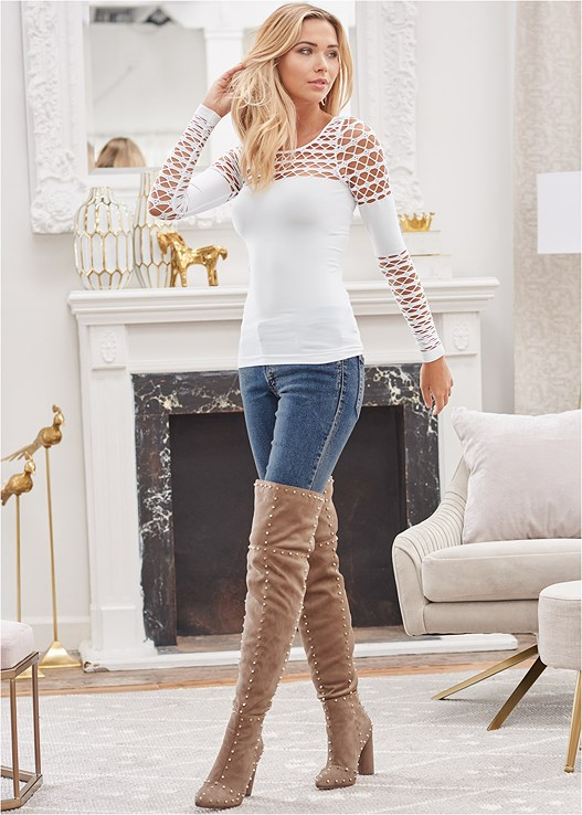 SEAMLESS CUT OUT TOP,COLOR SKINNY JEANS,REVERSIBLE JEANS,FAUX LEATHER PANTS,SMOOTH LONGLINE PUSH UP BRA,BLOCK HEEL BOOTS,TIGER DETAIL EARRINGS,RHINESTONE FRINGE EARRINGS,STUD DETAIL BELT