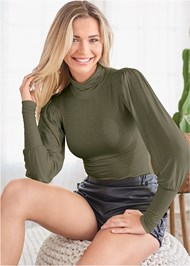 Cropped front view Turtleneck Top