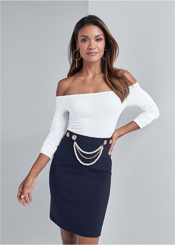 Smoothing Chain Belt Pencil Skirt,Off The Shoulder Top,High Heel Strappy Sandals,Chunky Chain Layer Necklace,Metal Ring Crossbody Bag
