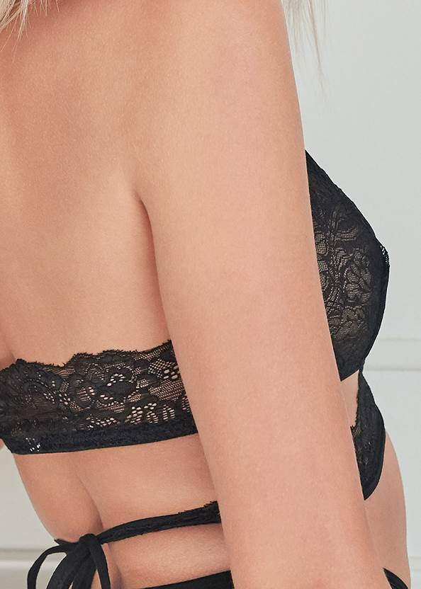 Detail back view Lace Bralette And Panty Set