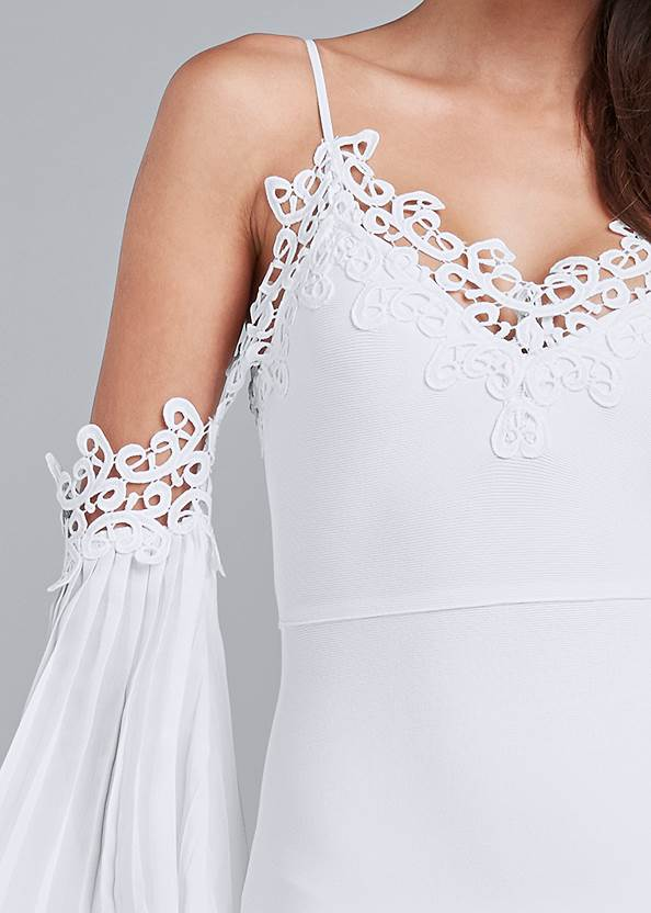 Detail front view Cold Shoulder Bandage Dress