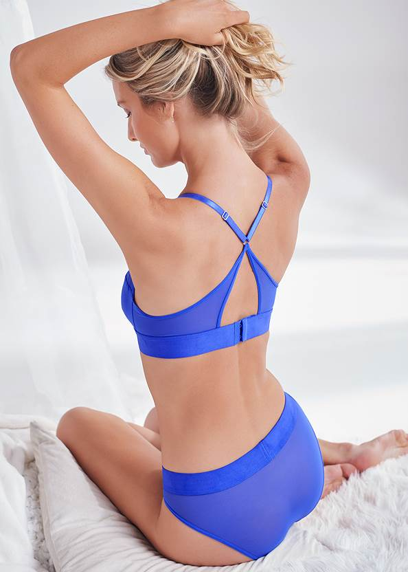 Cropped back view Bralette And Panty Set