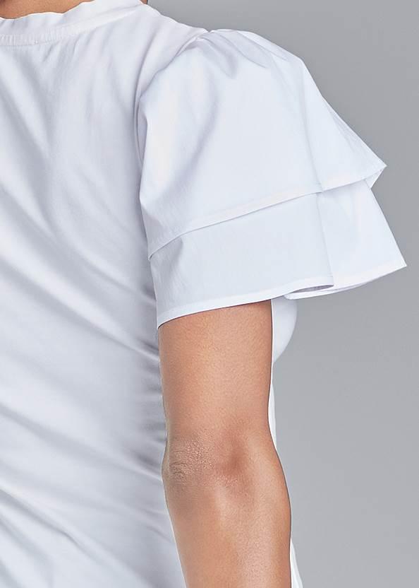 Detail back view Flutter Sleeve Top