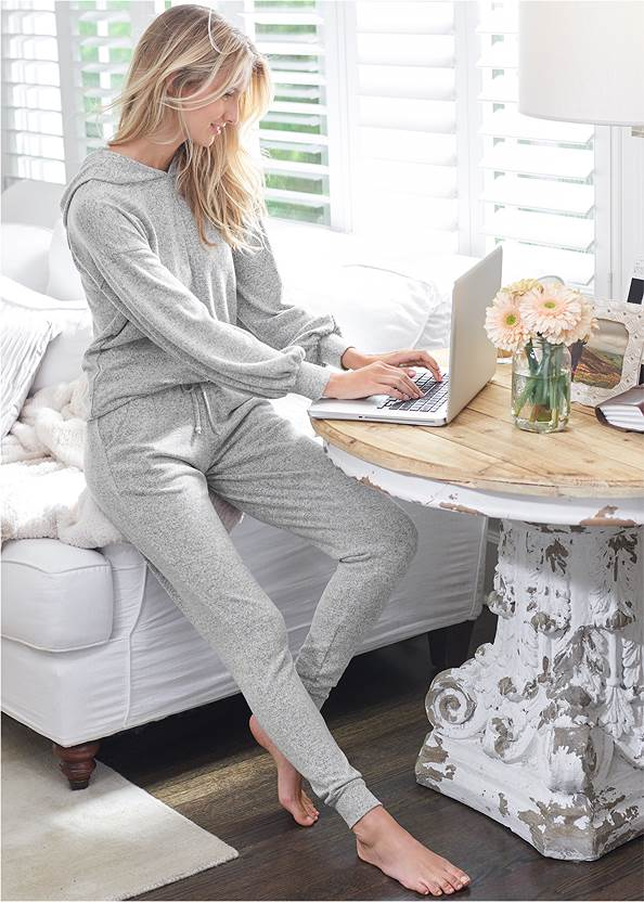 Cozy Lounge Hacci Joggers,Cozy Knot Detail Hacci Sweatshirt,Basic Cami Two Pack,Lace Cami