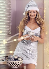 Cropped front view Sequin Santa Chemise