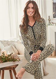Cropped front view Sleep Pant Set