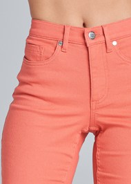 Detail front view Mid Rise Color Skinny Jeans