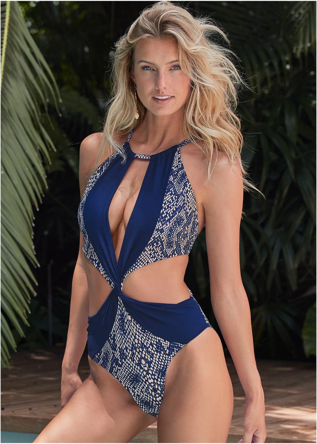 Twisted Monokini