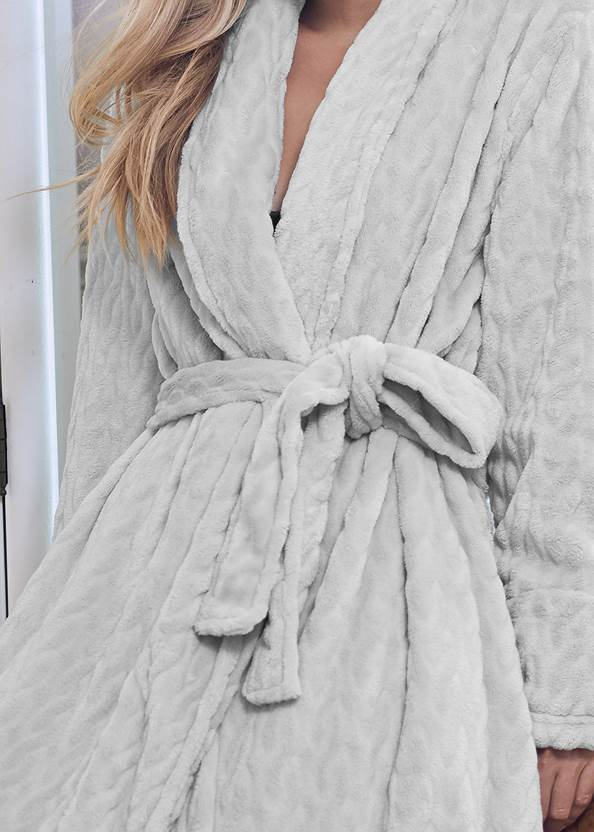 Detail front view Cozy Sleep Robe