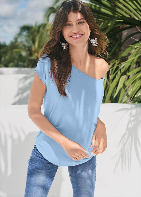 Casual Tee,Casual Bootcut Jeans,Frayed Cut Off Jean Shorts,Strapless Bra With Geo Lace,Tassel Hoop Earrings