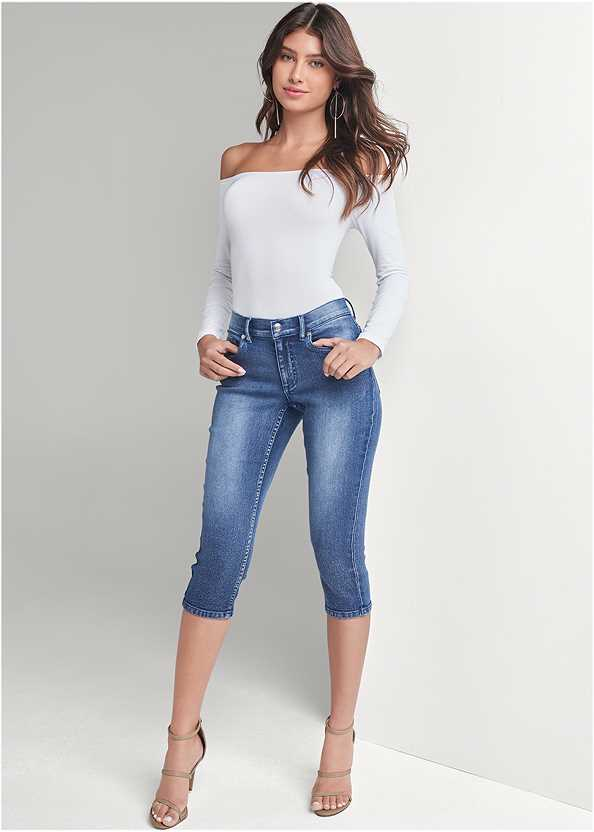 Color Capri Jeans,Off The Shoulder Top,High Heel Strappy Sandals,Beaded Earrings,Quilted Handbag With Charm