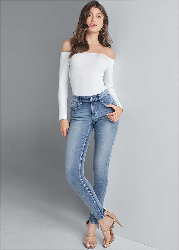 Mid Rise Color Skinny Jeans,Off The Shoulder Top,High Heel Strappy Sandals,Statement Earrings,Metal Ring Crossbody Bag