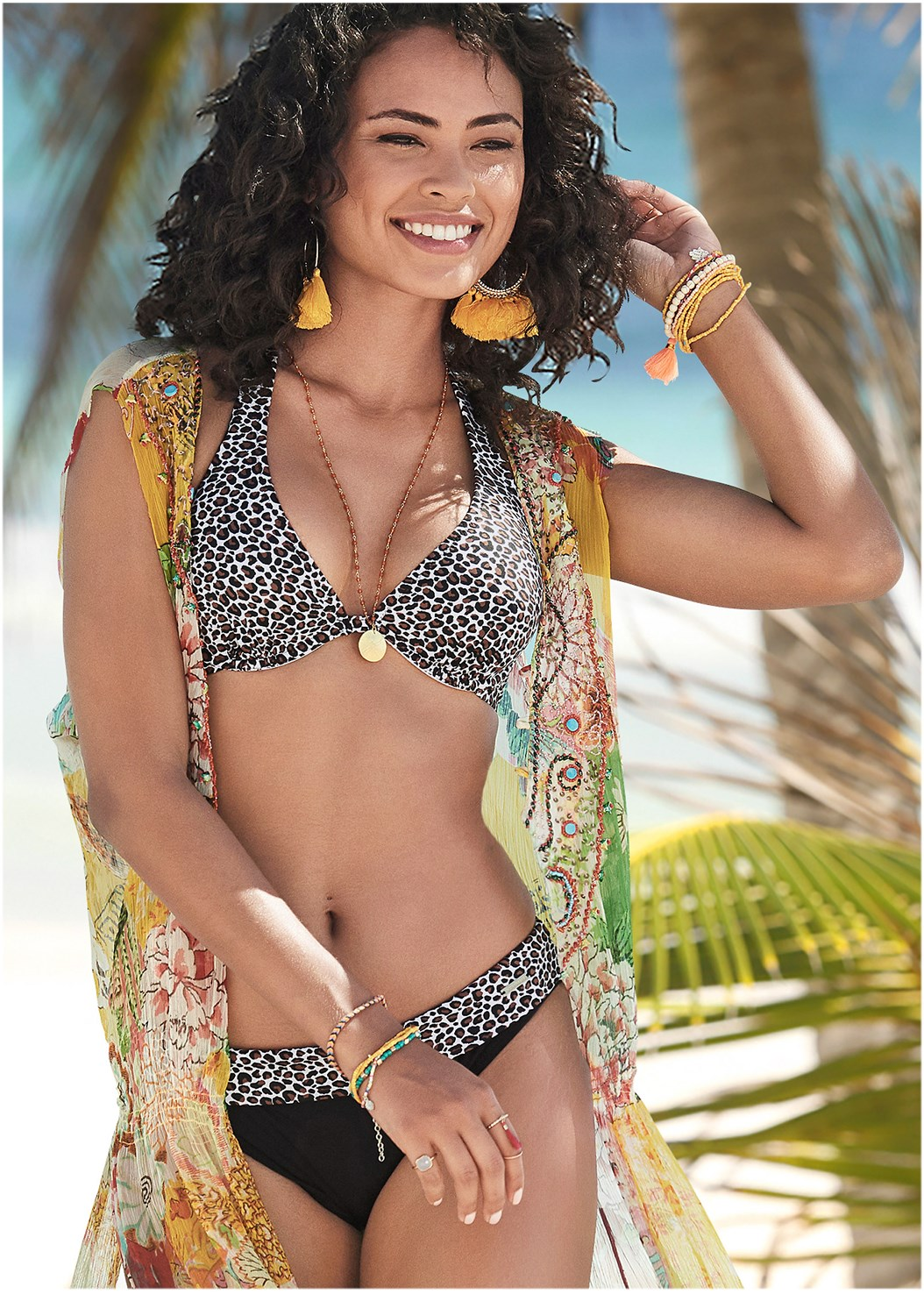 Banded Moderate Bottom,Underwire Halter Top,Underwire Bra Top,Beaded Triangle Top,Button Cover-Up Shirt,Circular Straw Bag