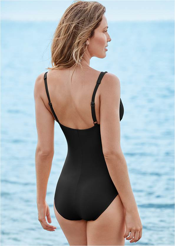Cropped back view Girlboss One-Piece