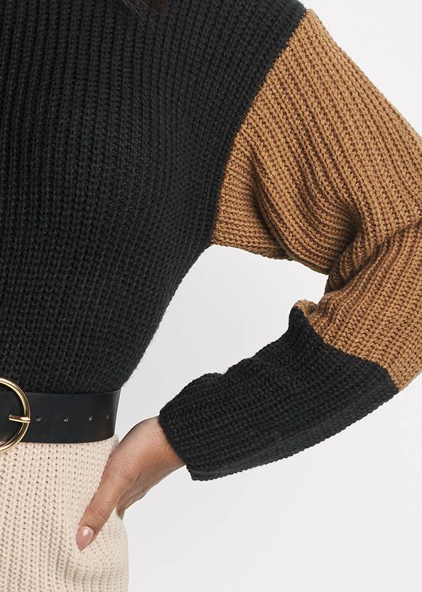 Detail front view Color Block Sweater Dress