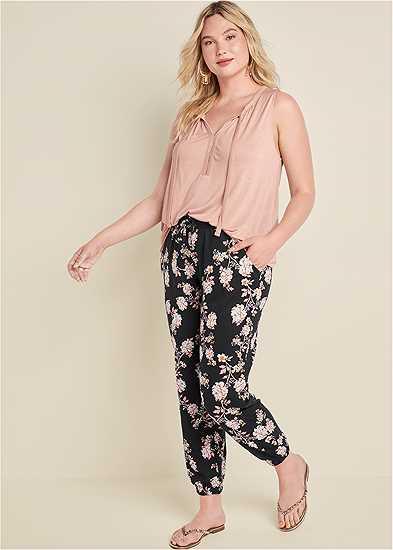 Plus Size Floral Printed Pants