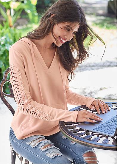 Cut Out Sleeve Sweatshirt With Pearls