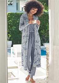 Full Front View Cozy Hacci Duster