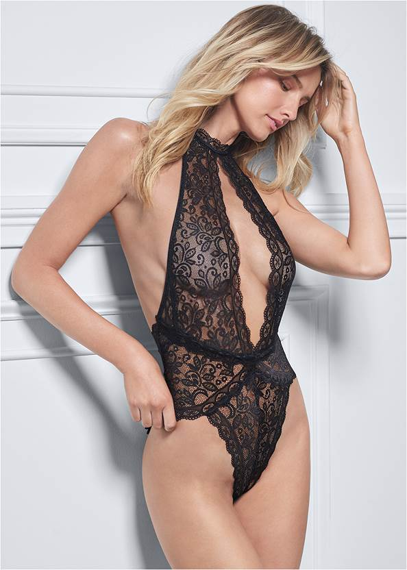 Cropped front view Front Keyhole Bodysuit