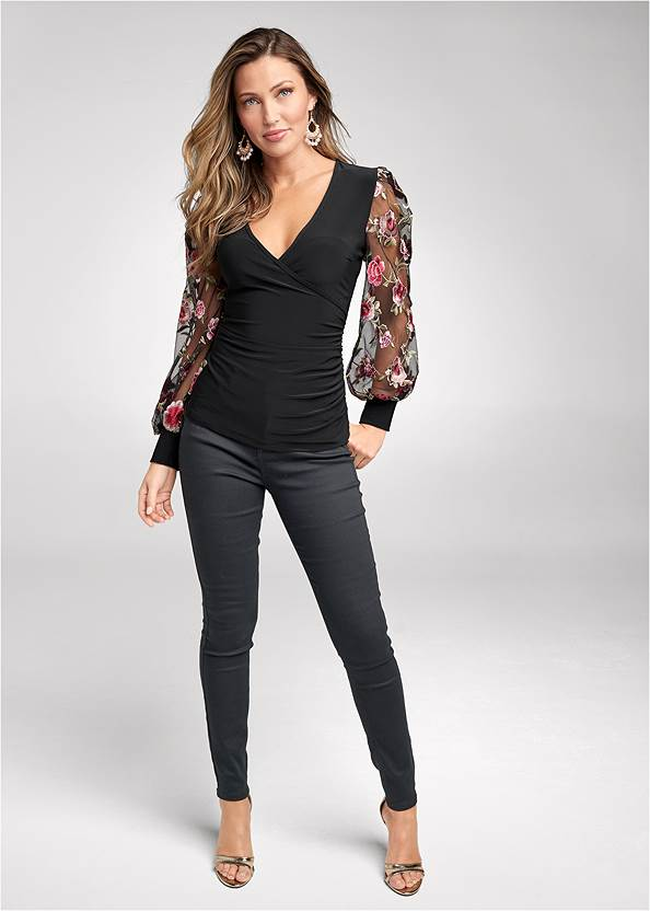 Bum Lifter Jeans,Embroidered Sleeve Top,Mid Rise Color Skinny Jeans,Casual Bootcut Jeans,High Heel Strappy Sandals,Sexy Ankle Strap Heels