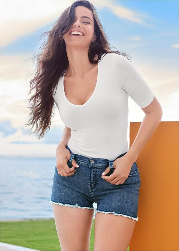Frayed Cut Off Jean Shorts,Off The Shoulder Top,Camo Shorts,Color Mini Jean Skirt,Square Neck Tank Top,Studded Flip Flops,Shell Detail Bracelet Set