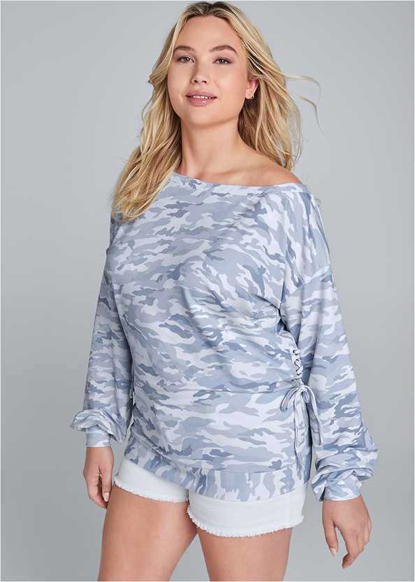 Camo Lace Up Sweatshirt,Frayed Cut Off Jean Shorts