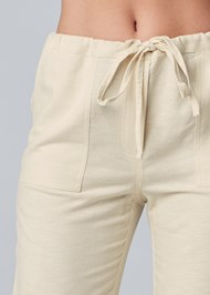 Detail front view Drawstring Pants