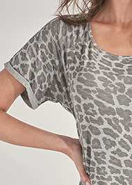 Detail front view Printed Sleep Shirt