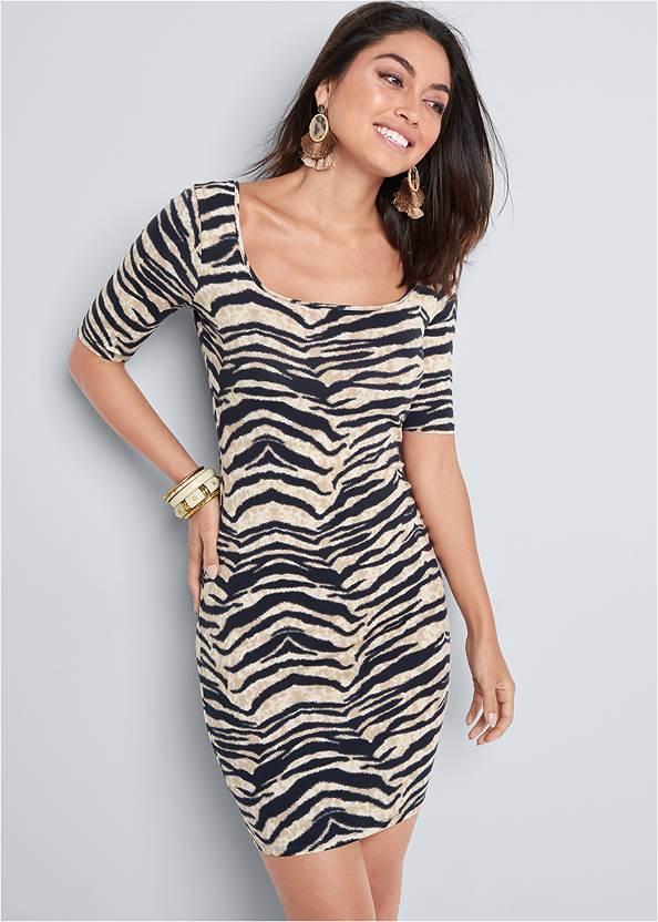 Long And Lean Dress,Ankle Strap Cork Heel,Natural Tassel Clutch