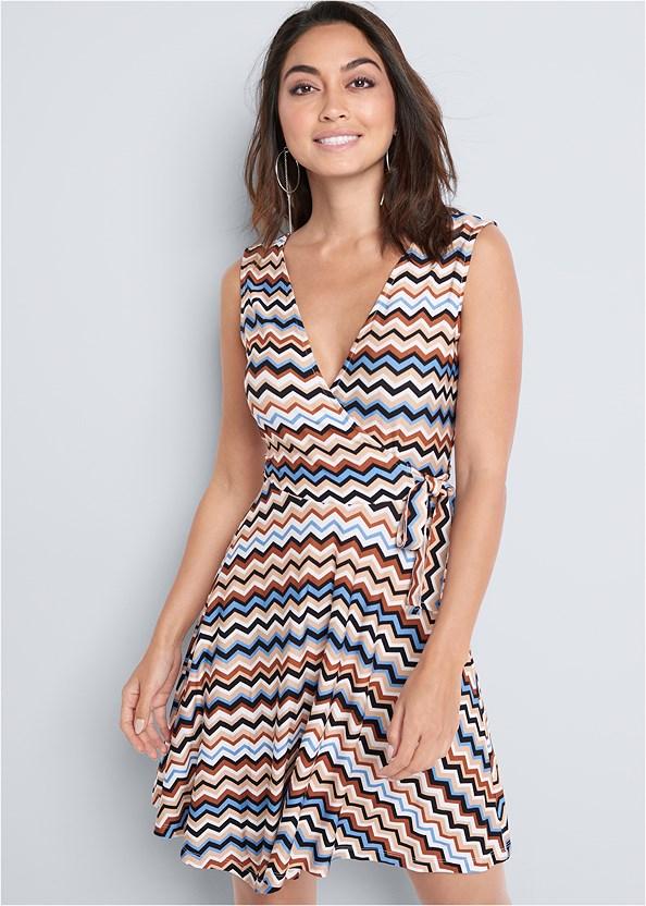 Chevron Print Dress,Pearl™ By Venus Perfect Coverage Bra,Rhinestone Thong Sandal