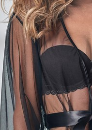 Detail front view Short Robe W/ Wide Sleeves